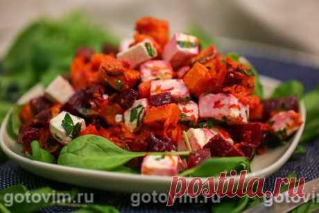 Салат из печеной тыквы со свеклой и брынзой