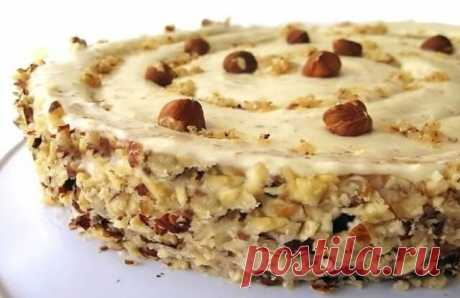 Божественный ореховый торт Для тех, кто любит орехи, этот рецепт — находка. Торт готовится быстро и очень просто. Но в результате вы получите отличный торт с ореховым ароматом и