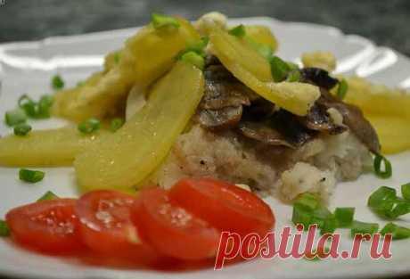 Рыба с картошкой и грибами в духовке на ужин | Готовим рецепты | Яндекс Дзен