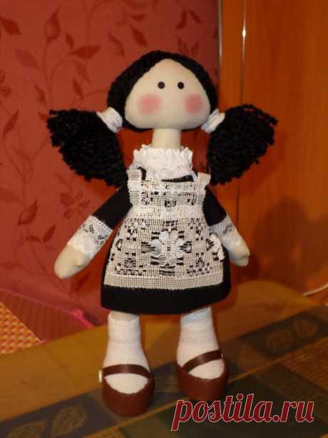 Кукла Лерочка. Сшила ее для выпускницы 2013