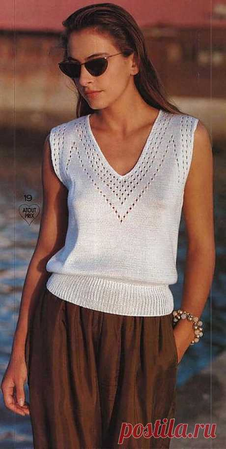 Летняя белая блуза.
