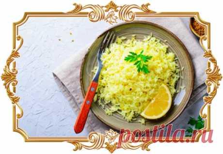 Имбирно-цитрусовый рис (рецепт на скорую руку, и вегетарианский, и без глютена)  Рис с имбирем и лимоном – оригинальное блюдо по мотивам индийской кухни. Семена пажитника придают рису особый ореховый вкус, а куркума добавляет пикантность. В целом, получается ароматное и в меру острое сочетание, которое также станет отличным гарниром к курице, морепродуктам и рыбе.  Время готовки: 30 мин. Количество порций: 3.  Ингредиенты: Рис Жасмин – 2 варочных пакетика. Имбирь (корень) ...