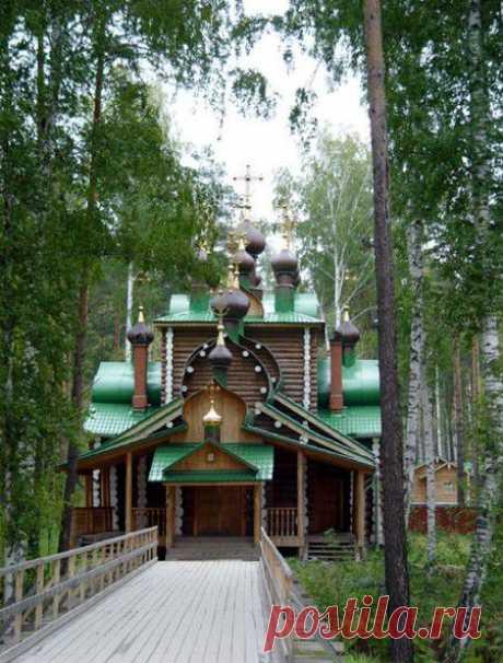 Монастырь в честь Святых Царственных Страстотерпцев в ближних окрестностях Екатеринбурга.