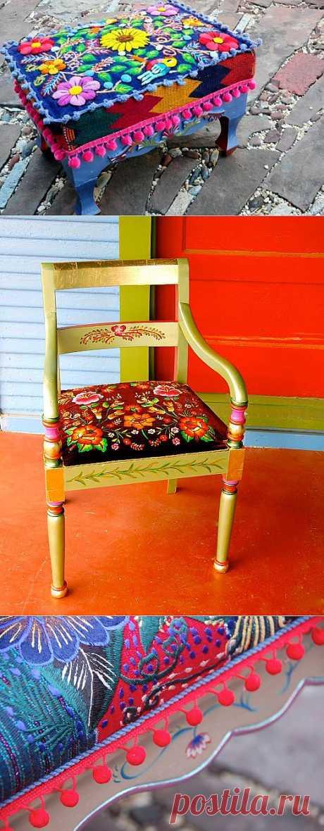 Яркие узоры и орнаменты на мебели.