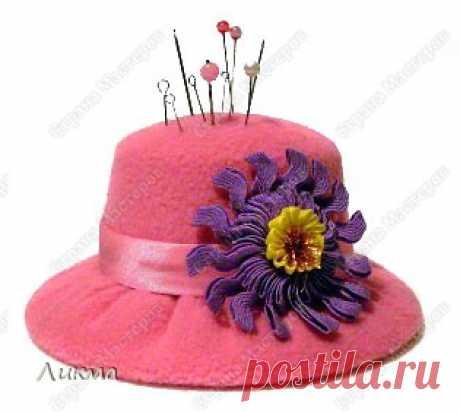 Необычная игольница-шляпка