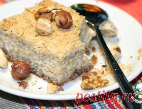 Рассыпчатый яблочно-творожный пирог с орехами – кулинарный рецепт