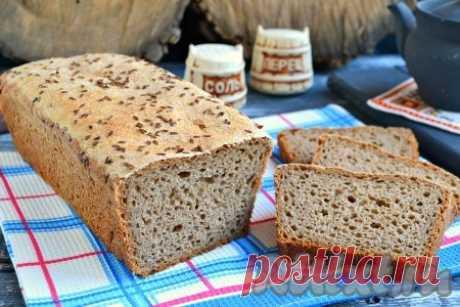 """Рецепт ржаного хлеба на закваске в духовке - 10 пошаговых фото в рецепте Предлагаю вам отличный рецепт ржаного хлеба на закваске в духовке. Хлебушек действительно получается шикарным - ароматным и очень вкусным, по вкусу похожим на """"Бородинский"""". Этот хлеб очень полезен, так как в его составе нет дрожжей и отбеленной пшеничной муки. Хлебушек имеет множество дырочек и ..."""