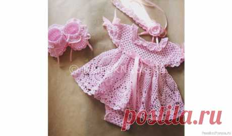 Платье-боди для новорожденной девочки. Схемы и выкройка | Детская одежда крючком. Схемы https://zhurnal.rykodelniza.ru/plate-bodi-dlya-novorozhdennoj-devochki-vyazanie-kryuchkom/