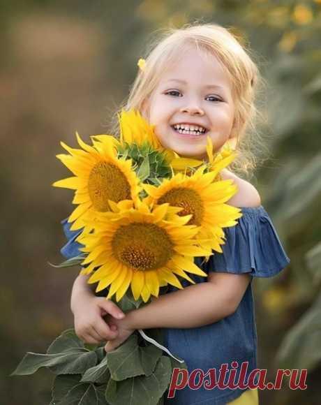 Люблю людей с улыбкой на лице, им хочется всегда ответить тем же.