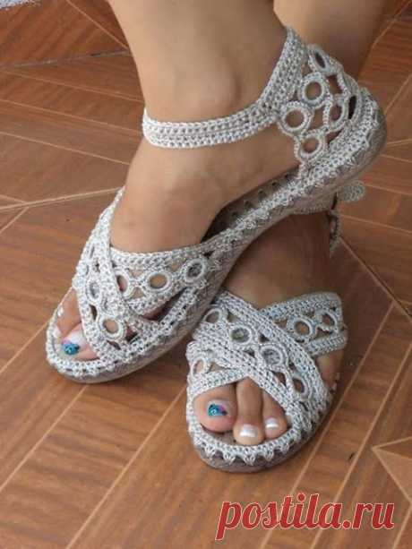 Shoes in crochet. Inspiration ( Tutorial Free Pattern )