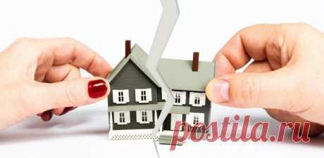 Раздел квартиры в ипотеке при разводе супругов Раздел квартиры в ипотеке при разводе супруговОдной из актуальных проблем, возникающих при расторжении брака, считается раздел имущества. При разводе квартира в ипотеке добавляет еще больше сложностей...