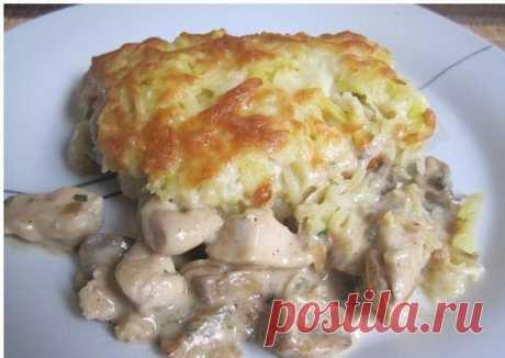 Курица с грибами, запеченная под картофельно-сырной шубой рецепт – основные блюда