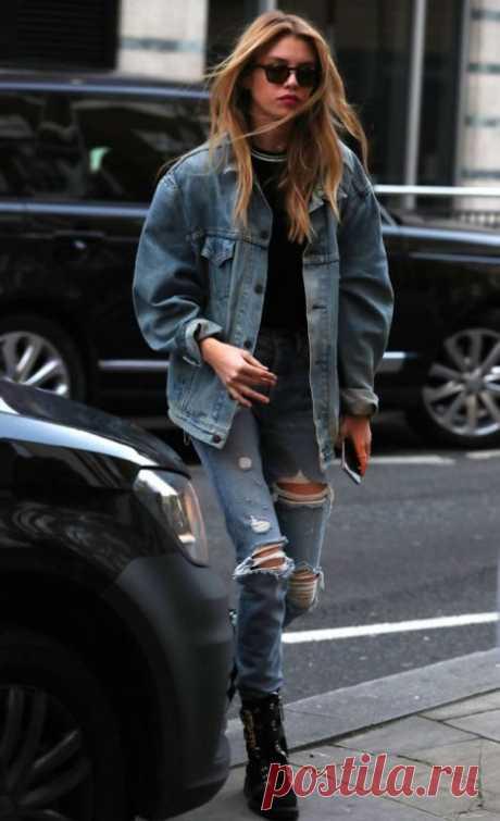 Лучшая куртка на это лето — джинсовая! Вдохновись образами модниц Джинсовая куртка — есть у всех или, по крайней мере, когда-то была. Этим летом деним особенно популярен и сейчас это самая крутая летняя куртка, просто