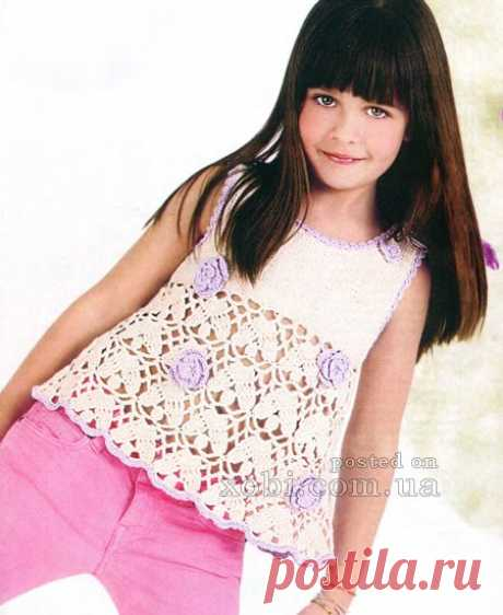 вязаный топ для девочки с цветами (6 лет)