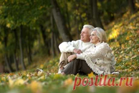 Старость обычно рассматривают как испытание. Это правда, что неприятно терять мало-помалу физические и интеллектуальные возможности, которыми мы обладали до этой поры, ибо всё становится более трудным. Но в действительности старость может стать также лучшим периодом жизни. Для тех, кто в молодости и в зрелом возрасте питали высокий идеал, многие вещи улучшаются в старости: понимание, ясность сознания… (Омраам Микаэль Айванхов)