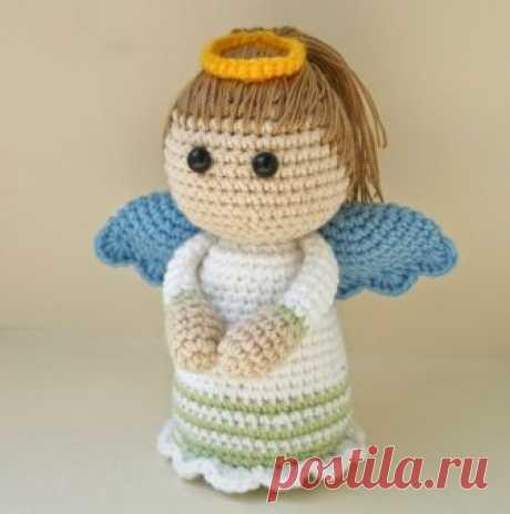 Tejido angelok amigurumi Este artículo como fácilmente y vincular simplemente al ángel amigurumi por el gancho. Aquí encontraréis la descripción minuciosa y el esquema del ángel tejido.