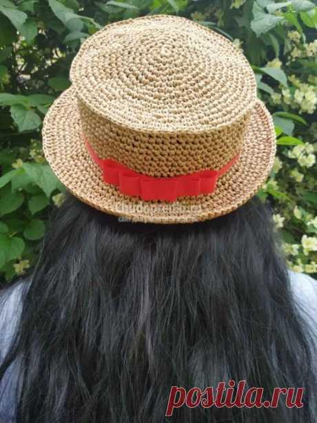 Красивая шляпа Канотье из рафии вязаная крючком
