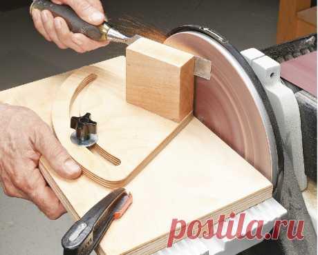 Приспособа для заточки стамесок на тарельчатом шлифовальном станке