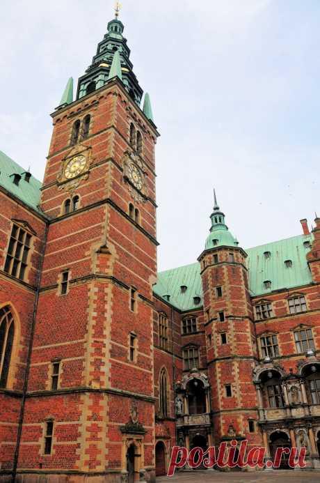 Замок Фредериксборг..