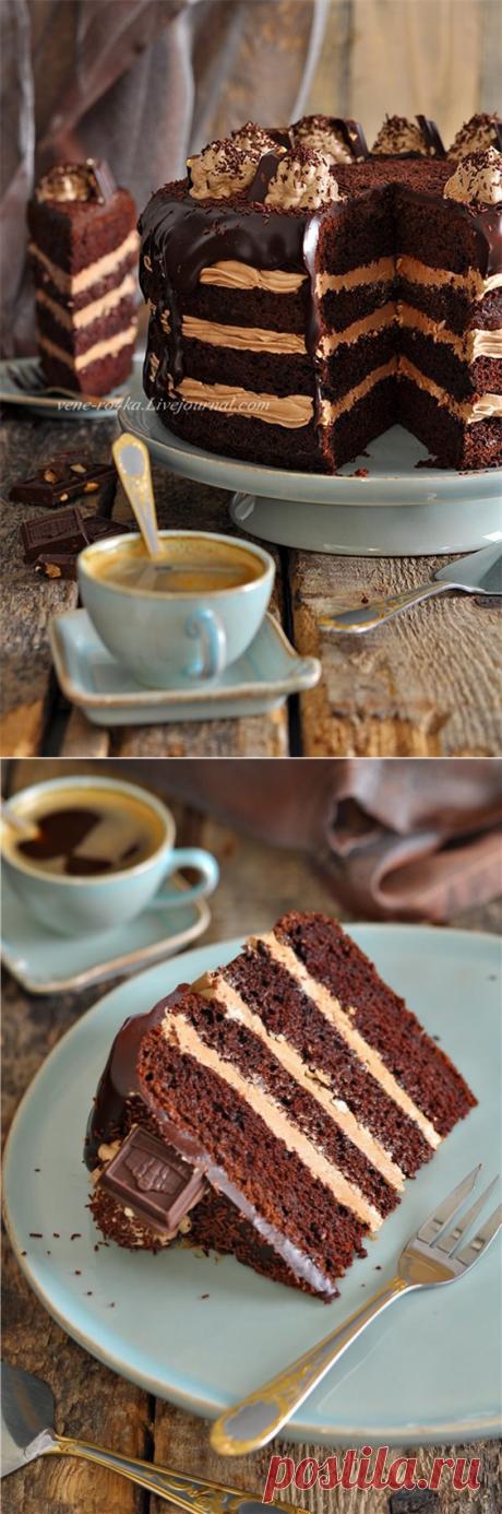 Шоколадный торт с нутеллой.