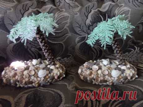 Lamp the hands. A palm tree from beads. Master class