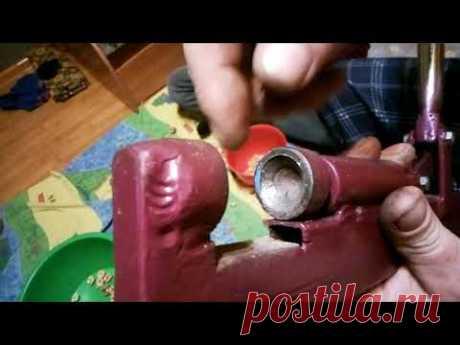 Саморобний ручний горіхокол