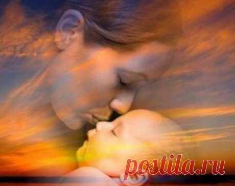 Благословение матери: как благословить ребенка =Благословение матери сильнее любого оберега! Мама - самый важный человек в жизни. Наверное, именно поэтому материнское проклятие — самое страшное, что можно услышать.
