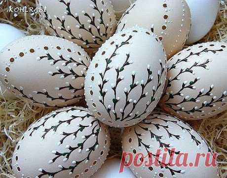 Пасхальная роспись по яичной скорлупе. Это настоящие шедевры, не похожие один на другой!