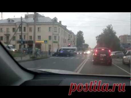 Кострома авария 04.09.2018 ул.Ивана Сусанина - YouTube