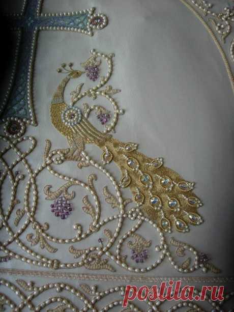 Вышивка золотыми нитями
