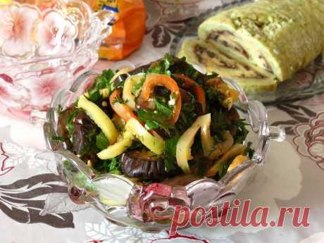 Острый салат из баклажан.