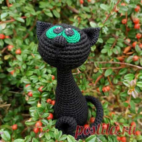 Чёрная кошка амигуруми. Схемы и описания для вязания игрушек крючком! Бесплатный мастер-класс от Юлии Шотя по вязанию чёрной кошки крючком. Размер вязаной игрушки примерно 12 см. Для изготовления такой маленькой кошечки…
