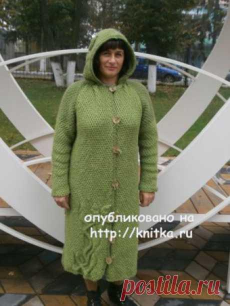Вязаное спицами пальто. Работа Наталии Гуторовой,  Вязание для женщин Размер: 50 Пальто из пряжи «Пехорка» «Популярная» 133м в 100 гр,расход 1500гр. Материалы: 1700 г пряжи темно-коричневого цвета (50% шерсть, 50% акрил,