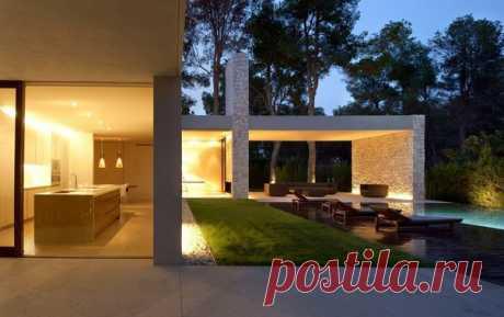 Современный особняк в Испании