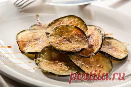 Баклажаны с мёдом по-андалузски | Испания - Мания Необычное сочетание овощей со сладким сиропом делает вкус блюда выдержанным, где все ингредиенты дополняют друг друга.