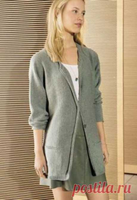 Кардиган поперечным вязанием с карманами Стильный женский кардиган, связанный на спицах 3.5 мм одним полотном из шерстяной пряжи. Вязание модели начинается от манжеты левого рукава...