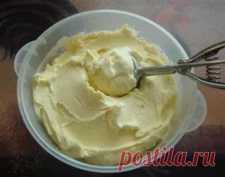 Домашнее мороженое, вкус того самого советского пломбира.