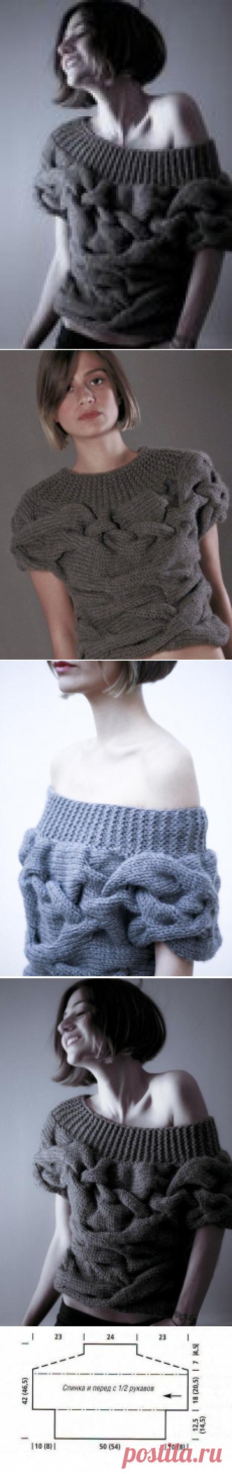 Оригинальный пуловер с широкими косами