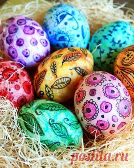 """Мастер-класс с фото: """"Роспись пасхальных яиц акварелью"""". Также для росписи используются акварельные карандаши, гуашь, акрил, маркеры и гелевые ручки."""