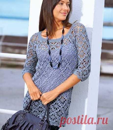 Длинный пуловер с вырезом-каре  Очень женственная модель. Превосходно смотрится с юбкой, джинсами и брюками.  Размеры 36/38 (44/46)  ВАМ ПОТРЕБУЕТСЯ Пряжа (40% вискозы, 30% хлопка, 20% льна, 10% полиамида; 125 м/50 г) – 400 (500) г сиреневой; крючок № 4,5; короткие круговые спицы № 4.  УЗОРЫ И СХЕМЫ  ОСНОВНОЙ УЗОР Вязать по схеме на 14 п. начального ряда. Каждый ряд поворачивать с помощью указанного на схеме числа в.п.  Начинать с петель перед раппортом, раппорт постоянно ...