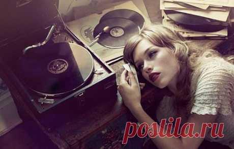 """""""Музыка и только музыка может передать всеобъемлющие свойства любви! Там где слова бессильны во всеоружии своём является более красноречивый язык - МУЗЫКА!"""" /П.И.Чайковский/"""
