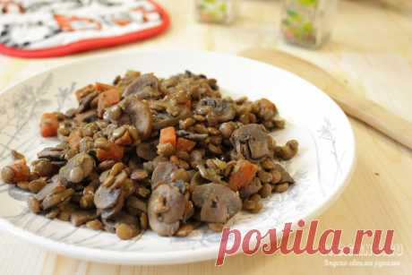 Как приготовить чечевицу с грибами и луком - рецепт с фото Простой рецепт приготовления зелёной чечевицы с грибами на сковороде с пассерованным луком и морковью.