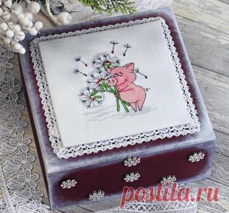 Декор шкатулки вышивкой: мастер-класс к году Свиньи