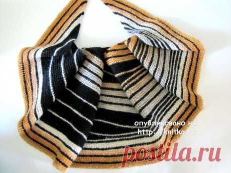 Шаль Сафари. Третья шаль -  Сафари связана по мотивам шали Surge от Lisa Mutch. Описание платное, также мной измененное. Пряжа кауни 8/2 , цвет черный и сэнд (песок), спицы 4, размер 180/32/204 .