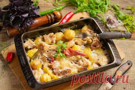 Картошка с мясом в духовке - 15 простых и вкусных рецептов.