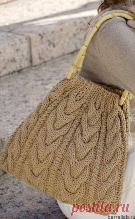 Сумка с косами спицами. Красивая сумочка вязаная для осени |