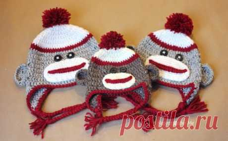 You guys requested it and I am delivering! I've had a lot of e-mails asking for a sock monkey hat pattern and at first I hesitated because I always felt they were a little creepy looking, but I…