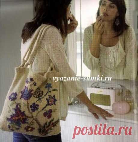 Летняя сумка с красивым цветочным орнаментом, на спицах. / vyazanie-sumki.ru