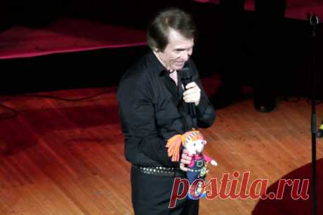 Концерт испанского певца Рафаэля в Москве - 9 апреля 2019 года - P1108876 | Sovetika.ru - фото-блог