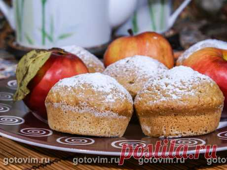 Кекс с яблочным пюре. Рецепт с фото Кексы выпекают из теста, в которое добавлено яблочное пюре. Пюре можно взять готовое, а можно использовать жмых из соковыжималки. По желанию можно добавить больше сахара и корицу.